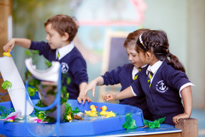 EYFS - water play with ducks