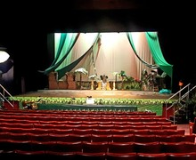 30. stage set up